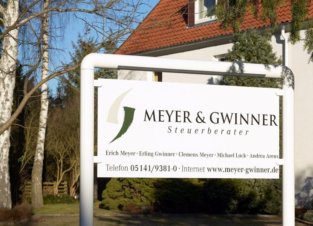 Firmenschild Meyer-Gwinner Steuerberater in Celle